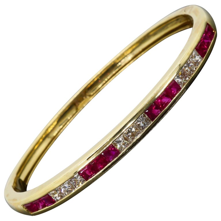 Ruby and Diamond Bangle Bracelet in 18 Karat Yellow Gold For Sale