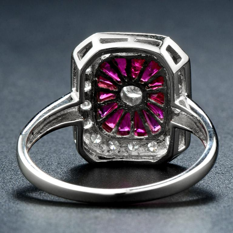 Ruby Diamond Cocktail Ring In New Condition For Sale In Bangkok, TH