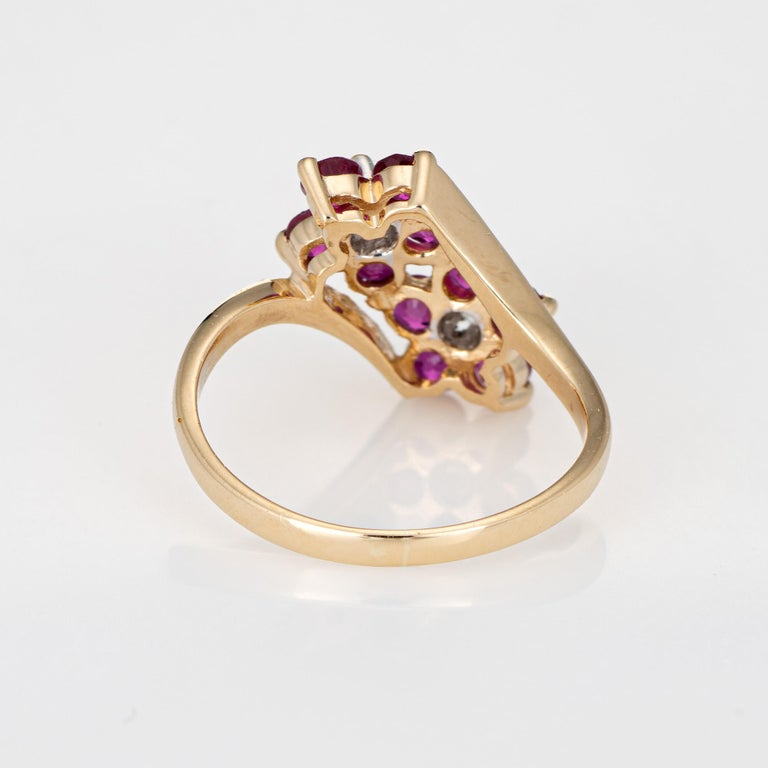 Ruby Diamond Double Flower Ring Moi et Toi 14 Karat Yellow Gold Vintage Jewelry In Good Condition For Sale In Torrance, CA