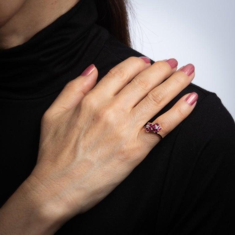 Women's Ruby Diamond Double Flower Ring Moi et Toi 14 Karat Yellow Gold Vintage Jewelry For Sale