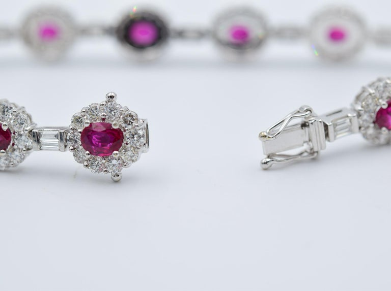 Ruby and Diamond Luxurious Platinum Bracelet with 3.60 Carat of Rubies For Sale 1