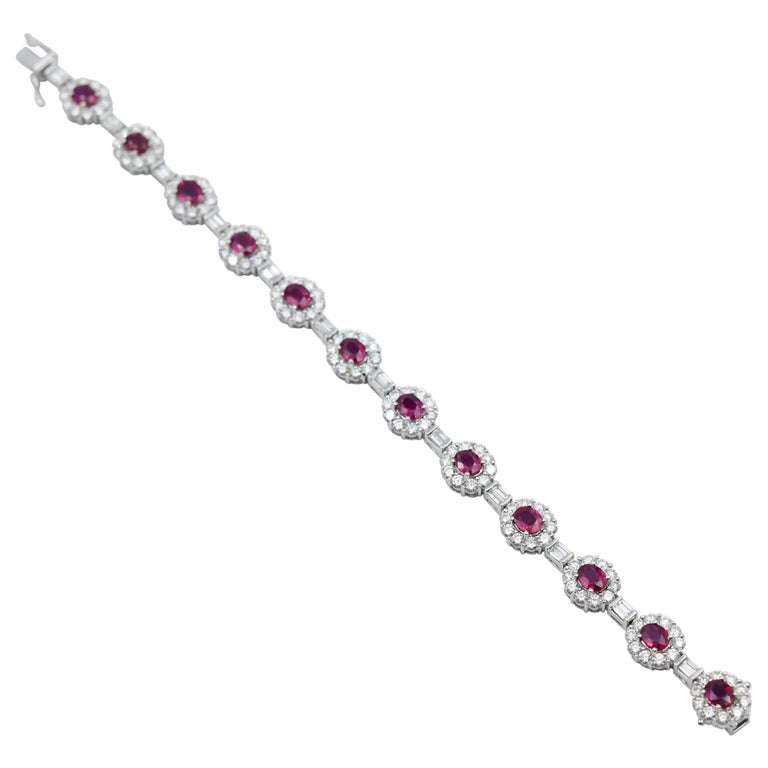 Ruby and Diamond Luxurious Platinum Bracelet with 3.60 Carat of Rubies For Sale