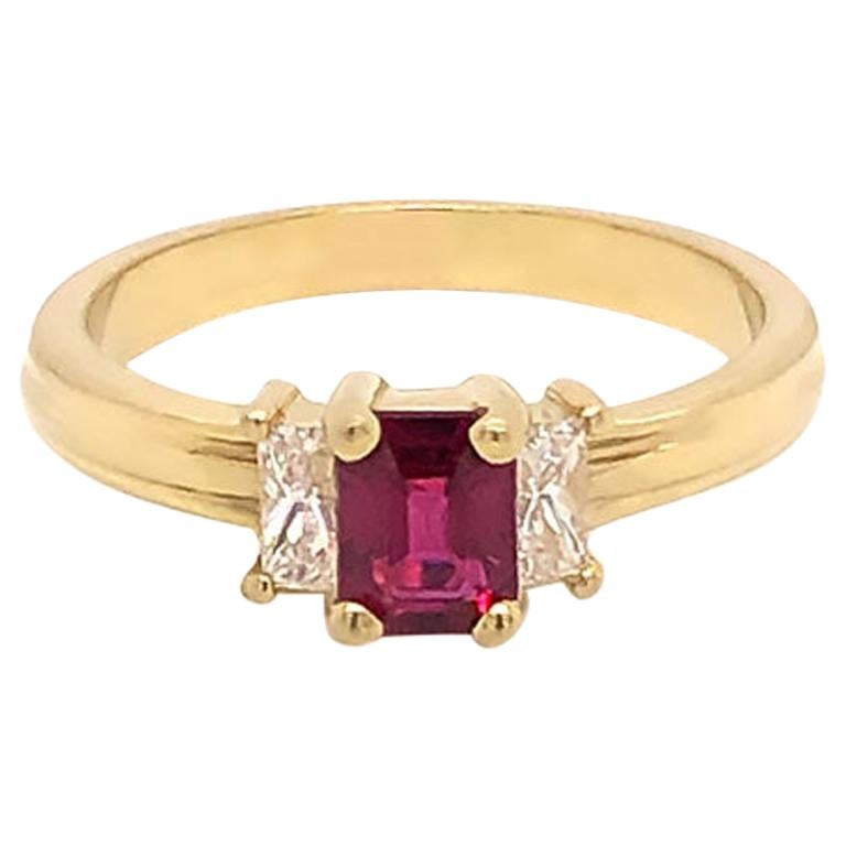 Ruby and Diamond Three-Stone Ring in 18 Karat Yellow Gold For Sale