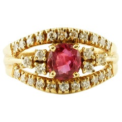 Ruby, Diamonds, 18 Karat Yellow Gold Retro Ring