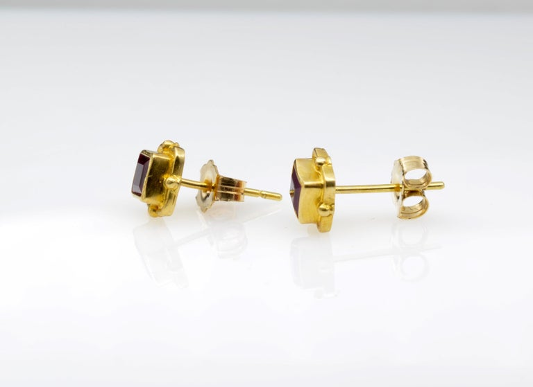 Romantic Ruby Earrings 18 Karat Yellow Gold For Sale