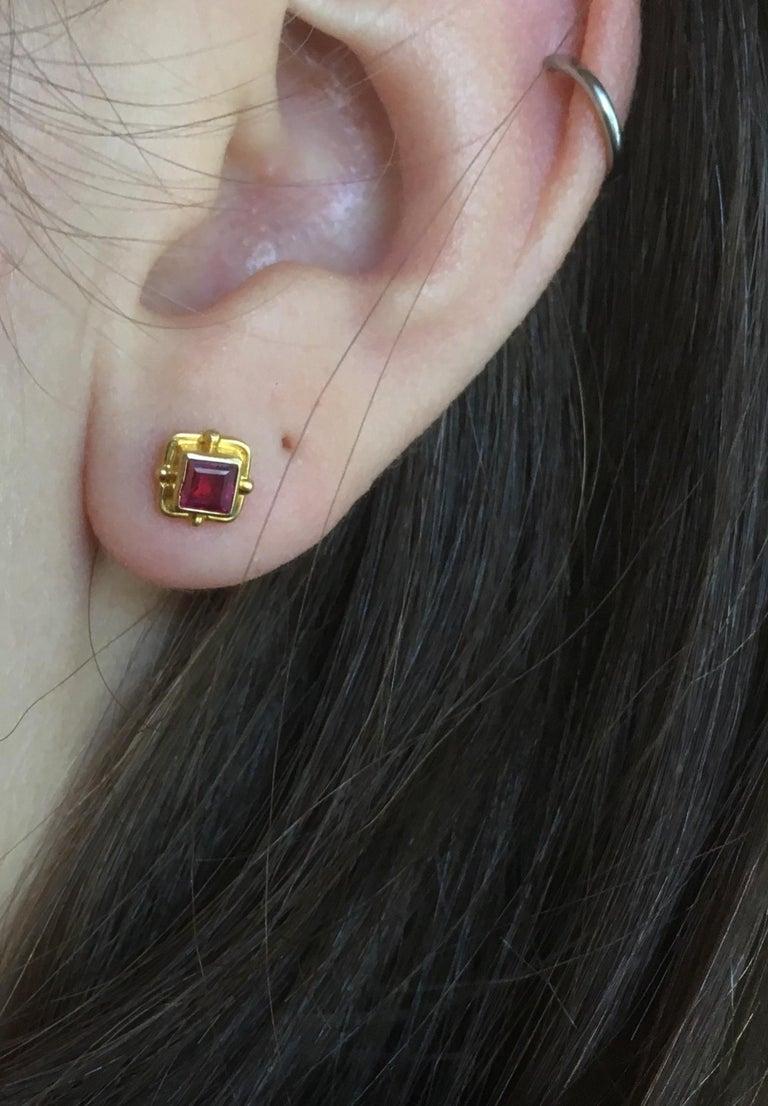 Ruby Earrings 18 Karat Yellow Gold For Sale 2