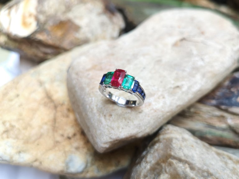 Ruby, Emerald and Blue Sapphire Ring Set in 18 Karat White Gold Settings For Sale 2