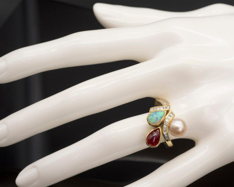 Contemporary Ruby Opal Pearl and Diamonds 18 Karat Gold Ring For Sale