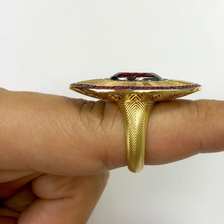 Ruby Pink Sapphire Rhodolite Garnet 18 Karat Yellow Gold Classical Ring For Sale 4