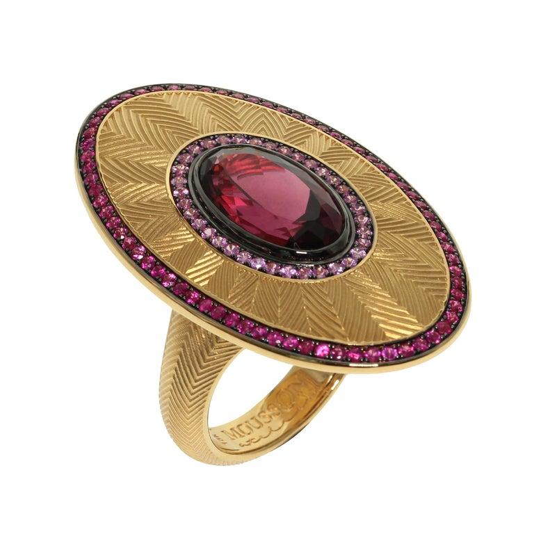 Ruby Pink Sapphire Rhodolite Garnet 18 Karat Yellow Gold Classical Ring For Sale