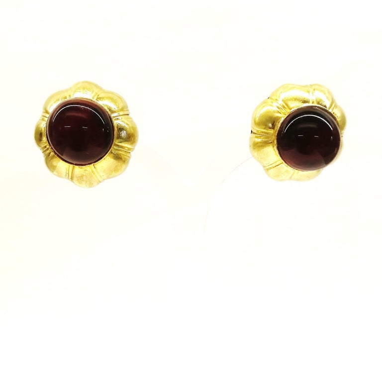 Ruby poured glass and gilt metal earrings, Goossens for Chanel, France, 1960s. For Sale 1