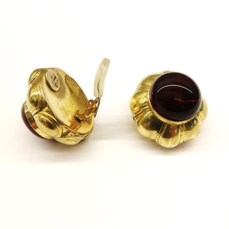 Ruby poured glass and gilt metal earrings, Goossens for Chanel, France, 1960s. For Sale 4