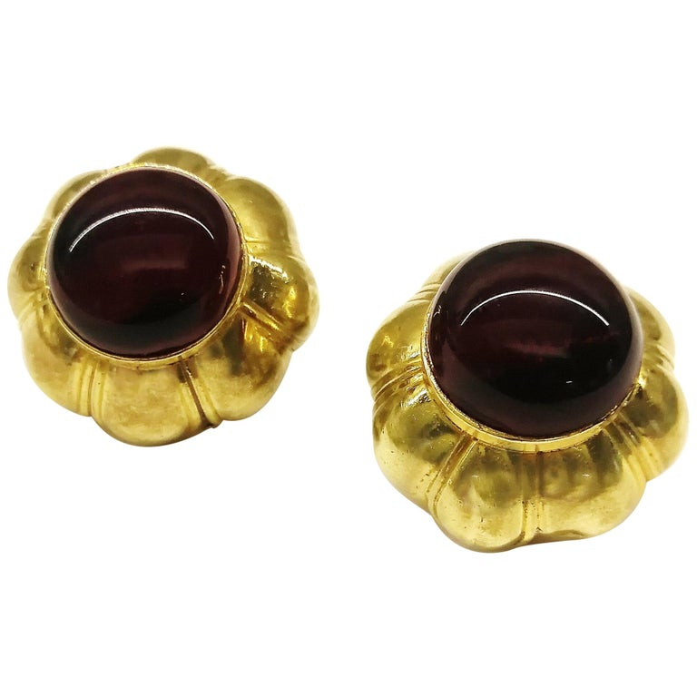 Ruby poured glass and gilt metal earrings, Goossens for Chanel, France, 1960s. For Sale