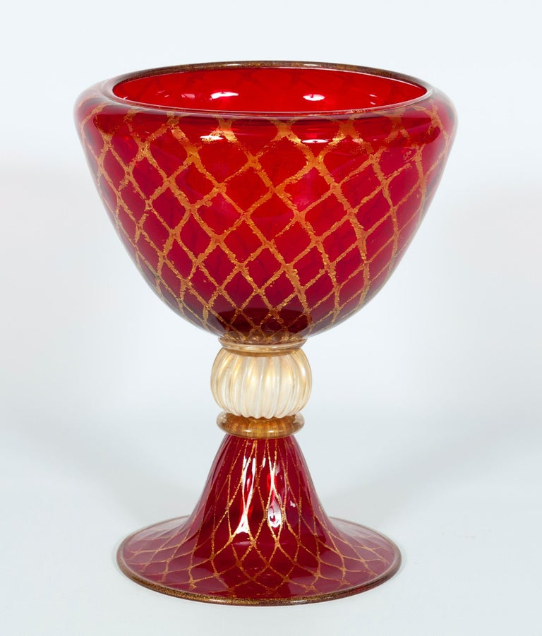 Ruby red bowl with 24-carat gold finishes in blown Murano glass, 1990s, Italy