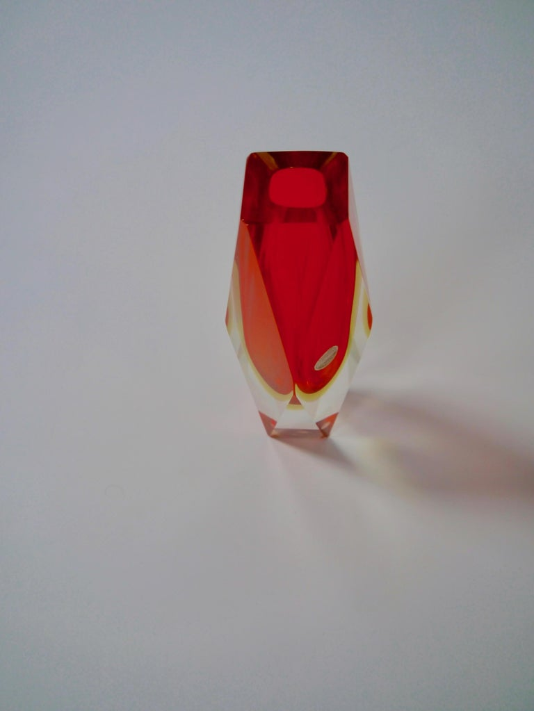 Ruby Red Murano Glass Vase by Mandruzzato for Oball, Italy, 1970s In Good Condition For Sale In Barcelona, ES