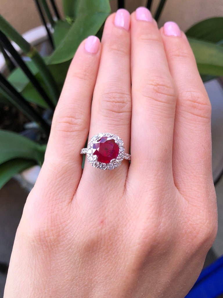Round Cut Ruby Ring Intense Red 2.53 Carats For Sale
