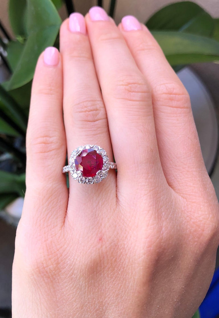 Ruby Ring Intense Red 2.53 Carats In New Condition For Sale In Beverly Hills, CA
