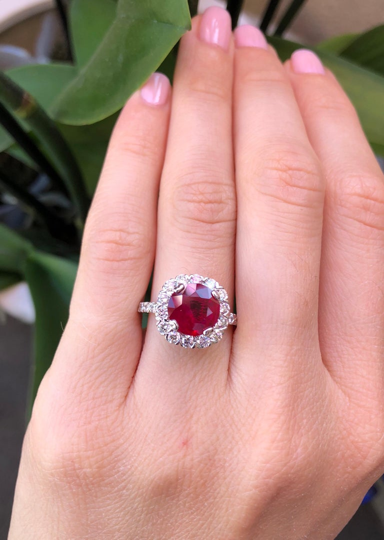 Women's Ruby Ring Intense Red 2.53 Carats For Sale