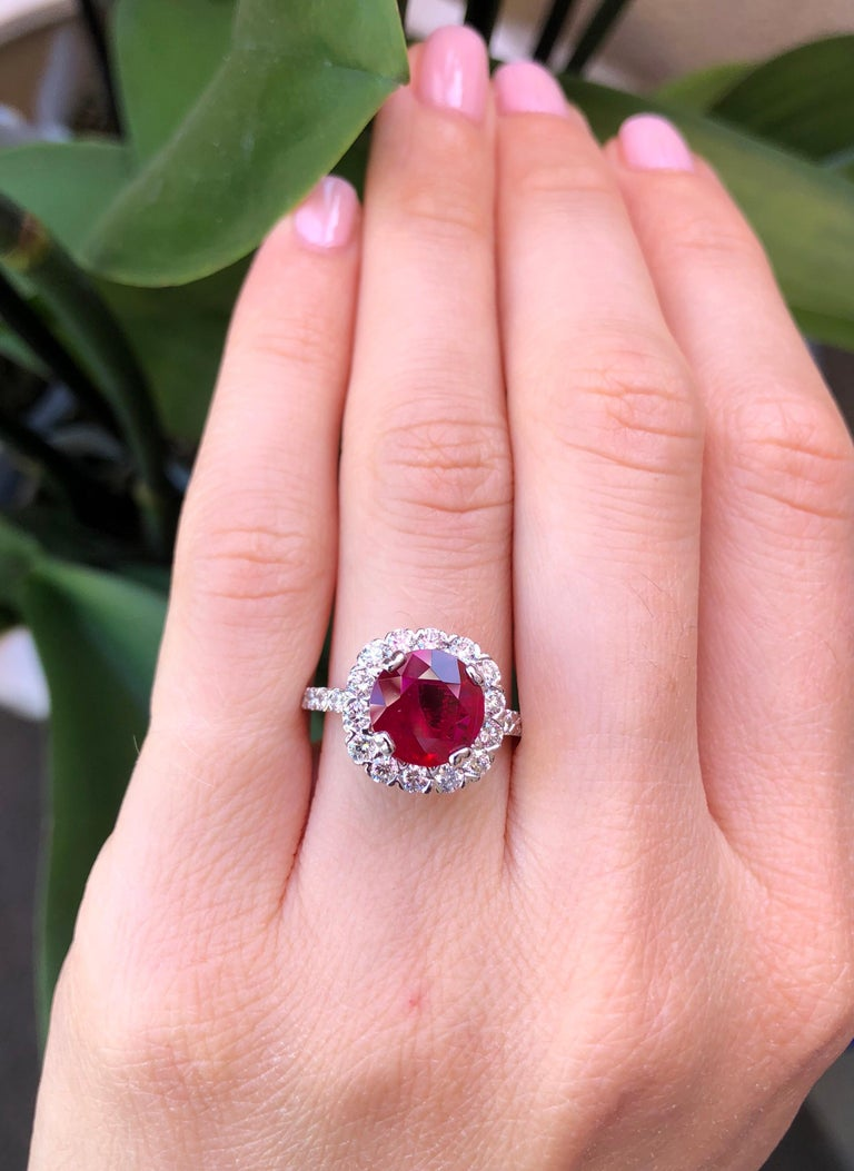 Ruby Ring Intense Red 2.53 Carats For Sale 1