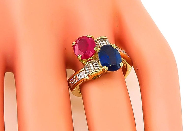 Ruby Sapphire Diamond Yellow Gold Ring In Excellent Condition For Sale In New York, NY