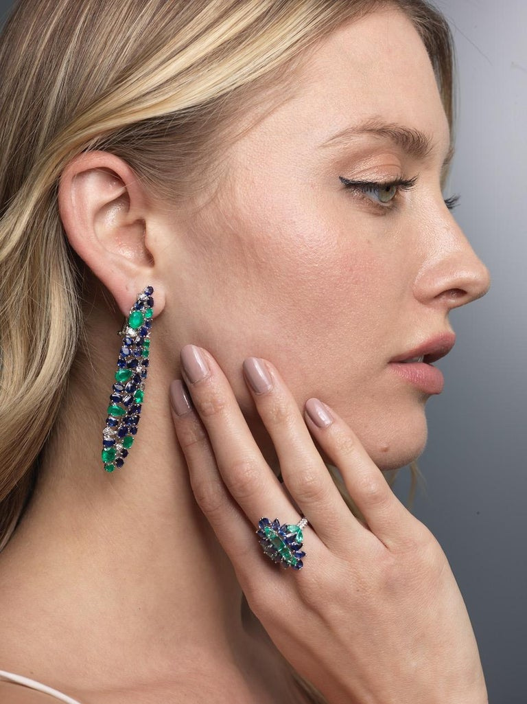 Ruchi New York Blue Sapphire, Emerald And Diamond Chandelier Earrings In New Condition For Sale In New York, NY