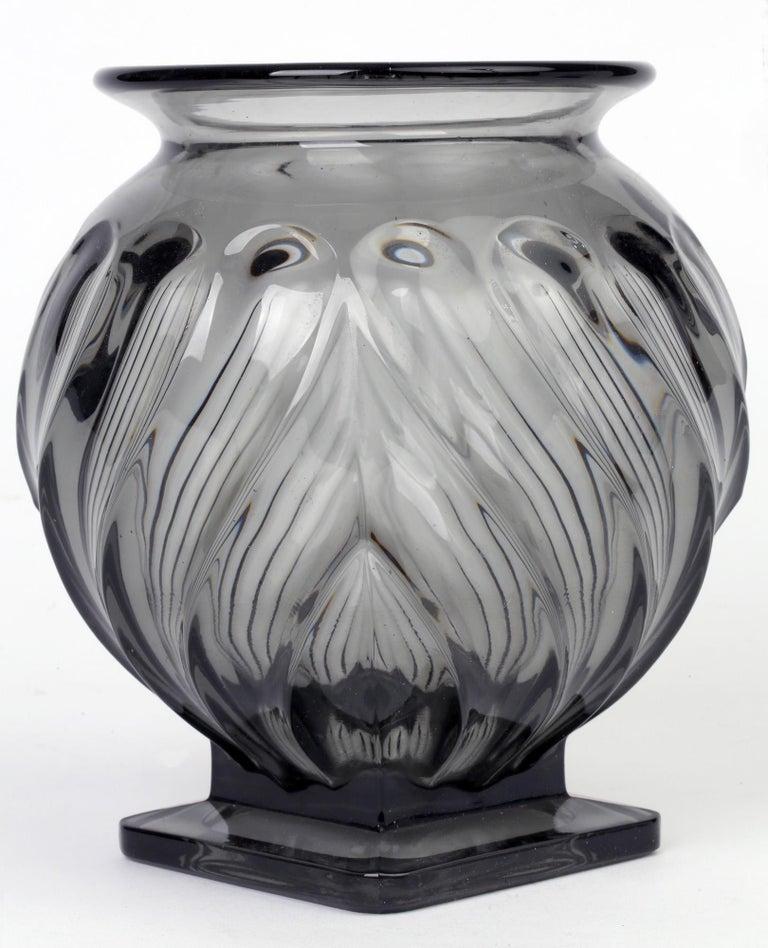 Rudolf Schrötter for Inwald Art Deco Grey Green Moulure Moderne Art Glass Vase For Sale 6