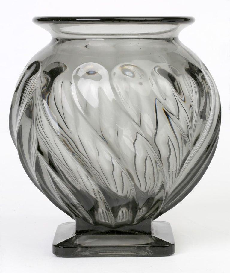 Rudolf Schrötter for Inwald Art Deco Grey Green Moulure Moderne Art Glass Vase For Sale 8