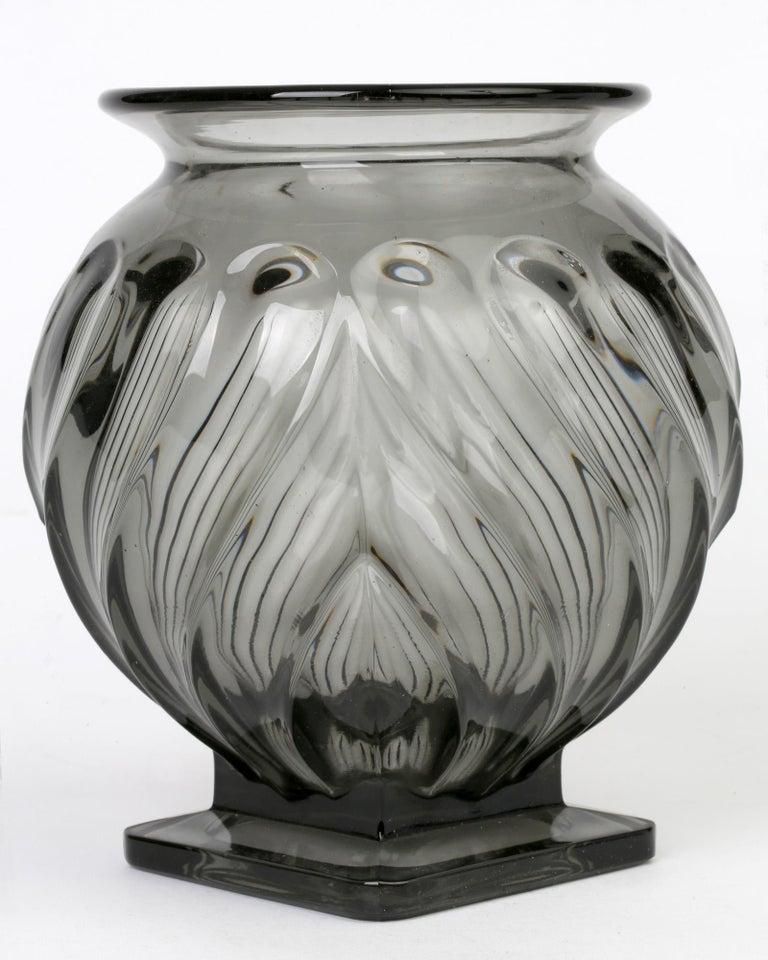 Czech Rudolf Schrötter for Inwald Art Deco Grey Green Moulure Moderne Art Glass Vase For Sale