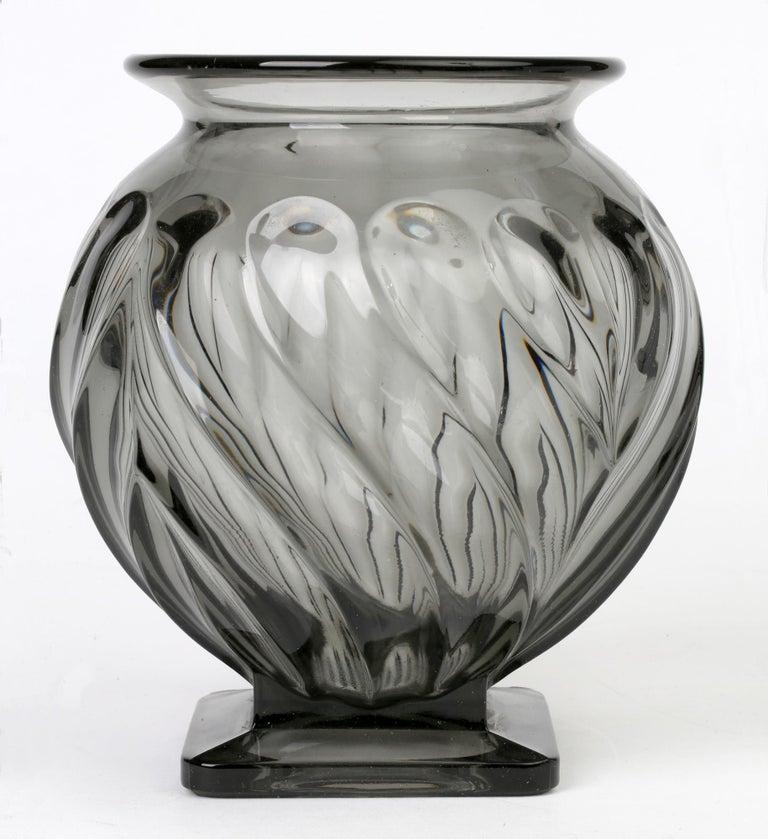 Mid-20th Century Rudolf Schrötter for Inwald Art Deco Grey Green Moulure Moderne Art Glass Vase For Sale