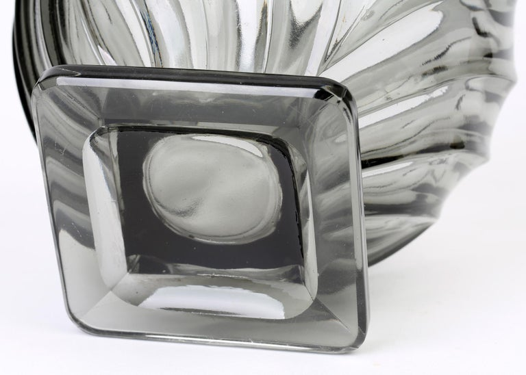 Rudolf Schrötter for Inwald Art Deco Grey Green Moulure Moderne Art Glass Vase For Sale 2