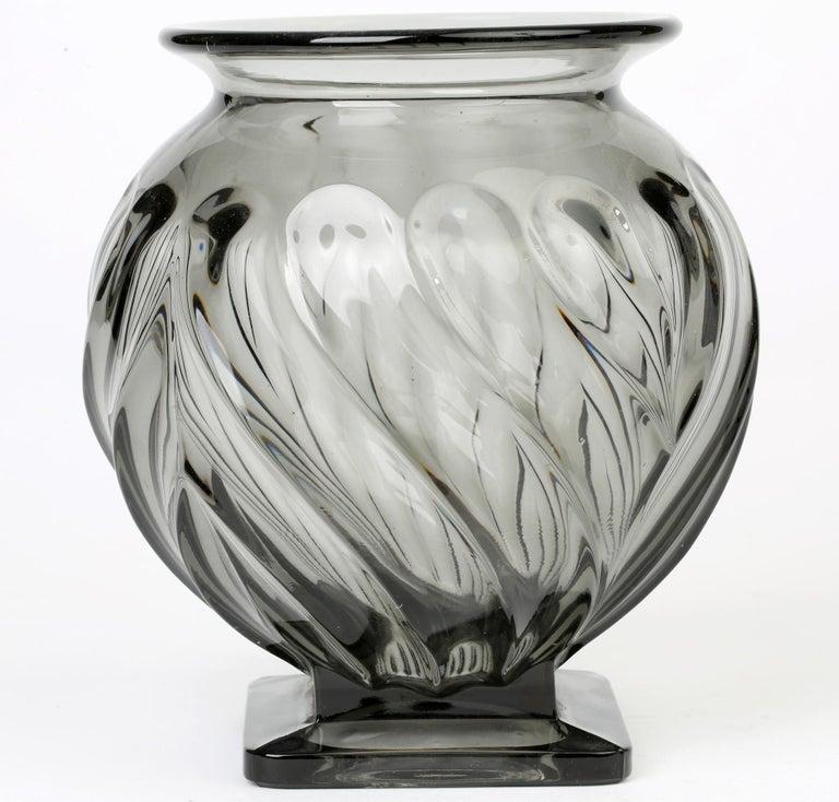 Rudolf Schrötter for Inwald Art Deco Grey Green Moulure Moderne Art Glass Vase For Sale 3