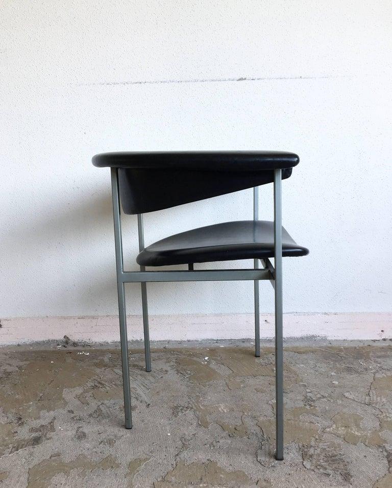 Rudolf Wolf, Pair of Dutch Design Black Metal Armchairs, Model Gamma, 1960s For Sale 3