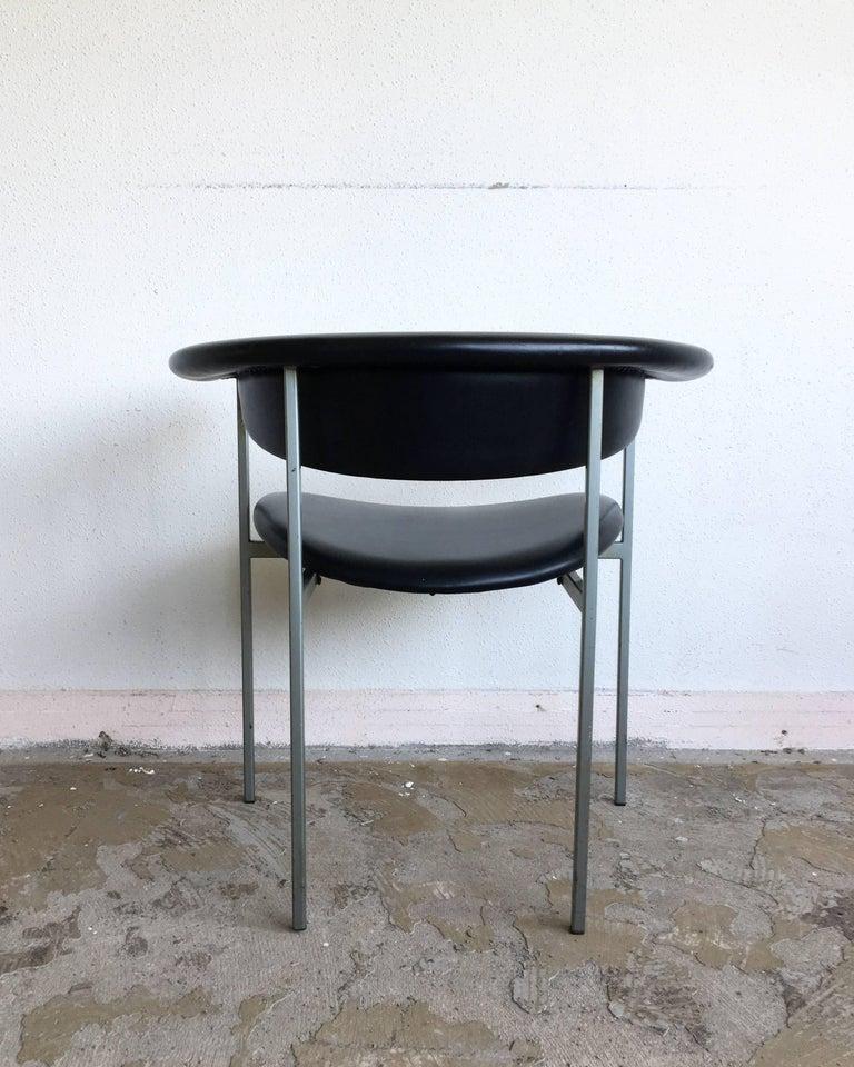 Rudolf Wolf, Pair of Dutch Design Black Metal Armchairs, Model Gamma, 1960s For Sale 4