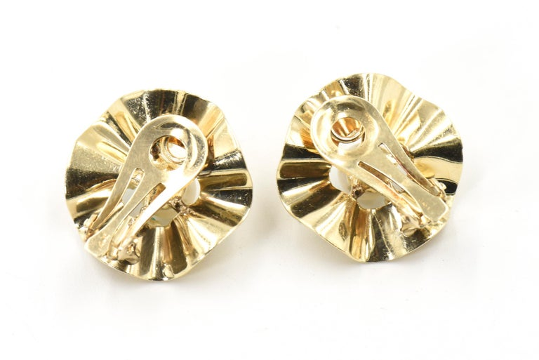 Women's Ruffled Turquoise and Pearl Flower Gold Clip-On Earrings For Sale
