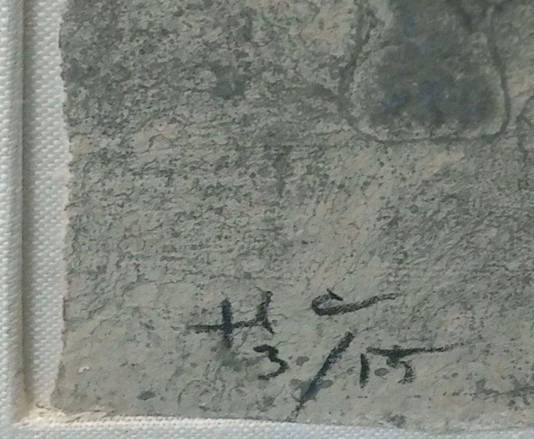 FIGURA DE HOMBRE EN AZUL CON FONDO GRIS - Gray Portrait Print by Rufino Tamayo
