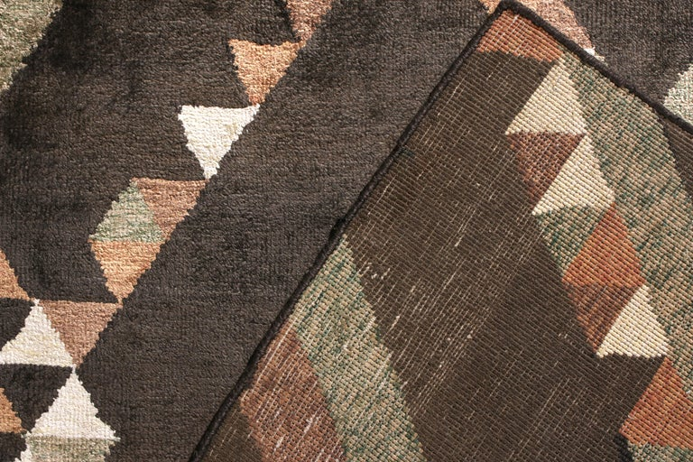 Rug & Kilim's Scandinavian Style Rug in Brown Geometric Pattern In New Condition For Sale In Long Island City, NY