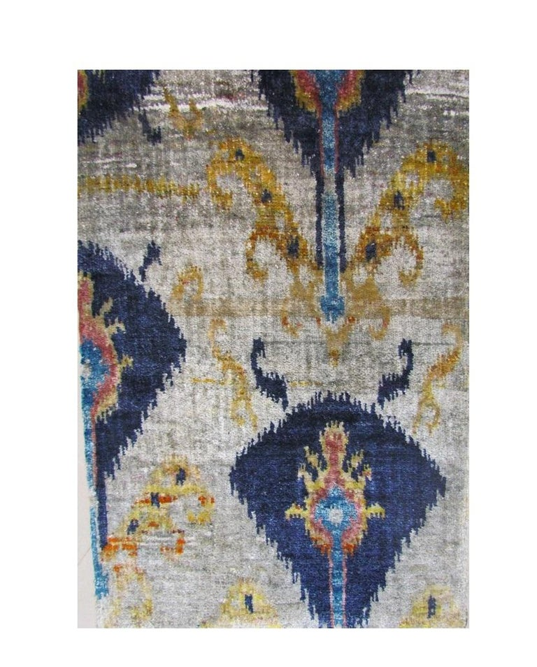 Indian Hand Knotted Natural Silk Ikat Rug Silver Gray and Blue Transitional Rug For Sale