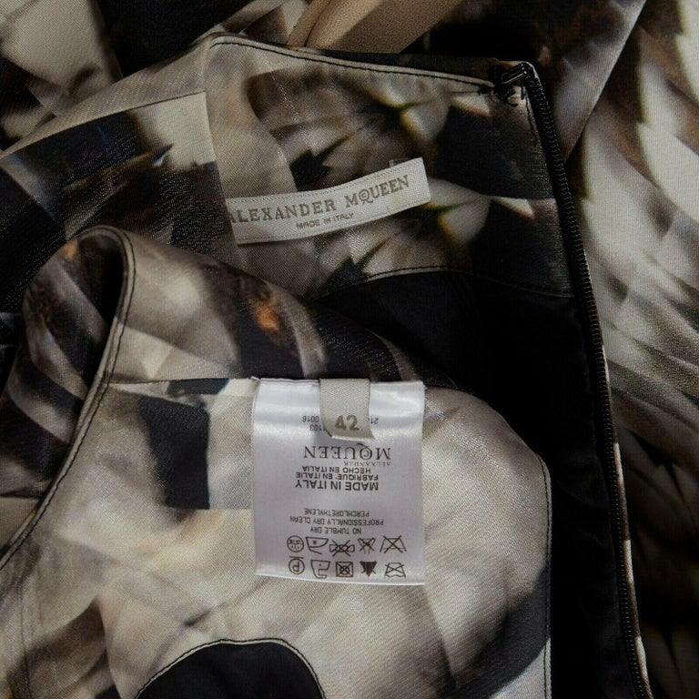runway ALEXANDER MCQUEEN SS09 silver kaleidoscope skeleton illusion mesh dress M For Sale 7