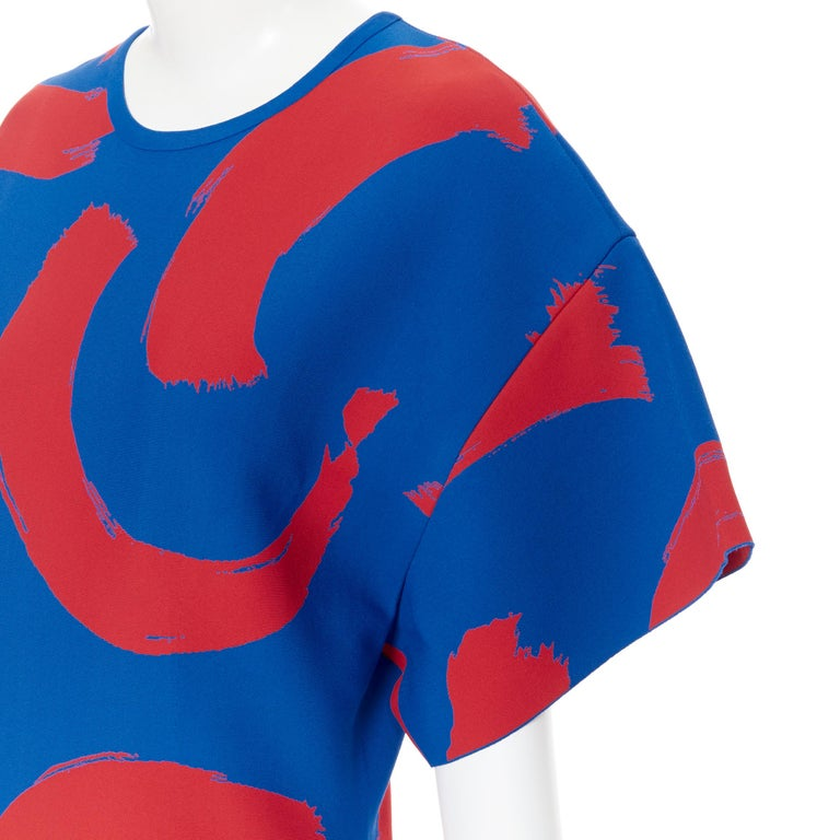 runway OLD CELINE SS14 red blue pop brush stroke oversized tunic tunic top L Brand: Celine Designer: Phoebe Philo Collection: SS15 Model Name / Style: Oversized top Material: Viscose, polyester Color: Blue, red Pattern: Abstract Extra Detail: