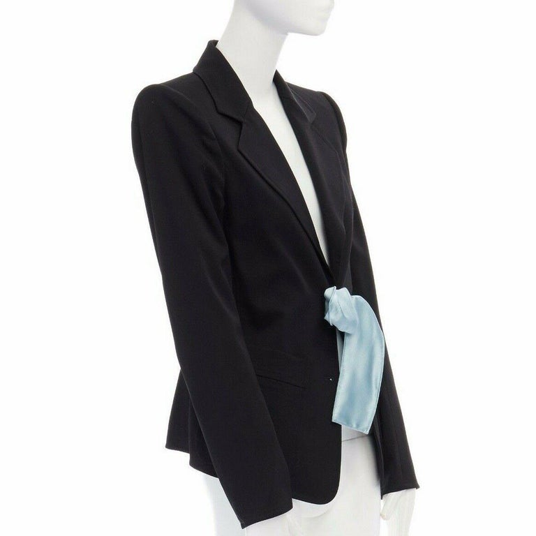 runway YVES SAINT LAURENT TOM FORD black tie padded shoulder blazer FR38 M In Excellent Condition For Sale In Hong Kong, NT