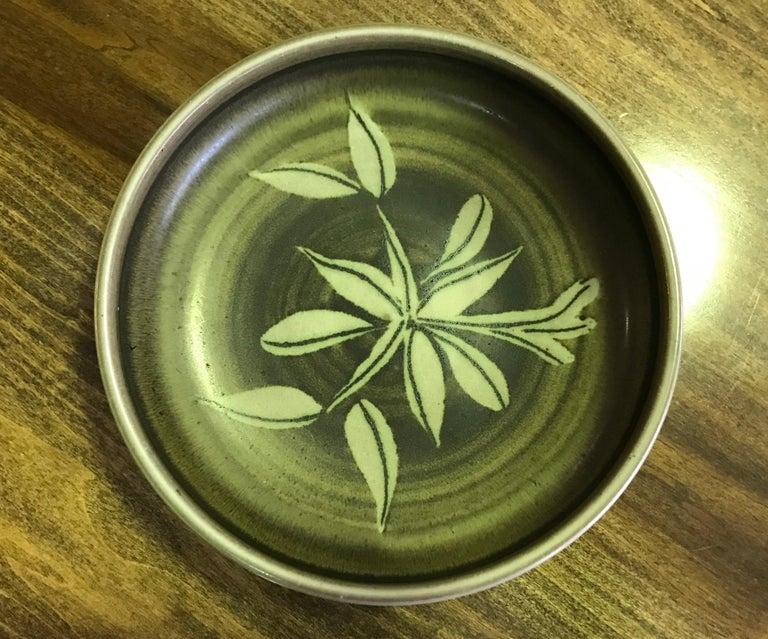 American Rupert Deese Mid-Century Modern California Studio Pottery Ceramic Floral Bowl For Sale