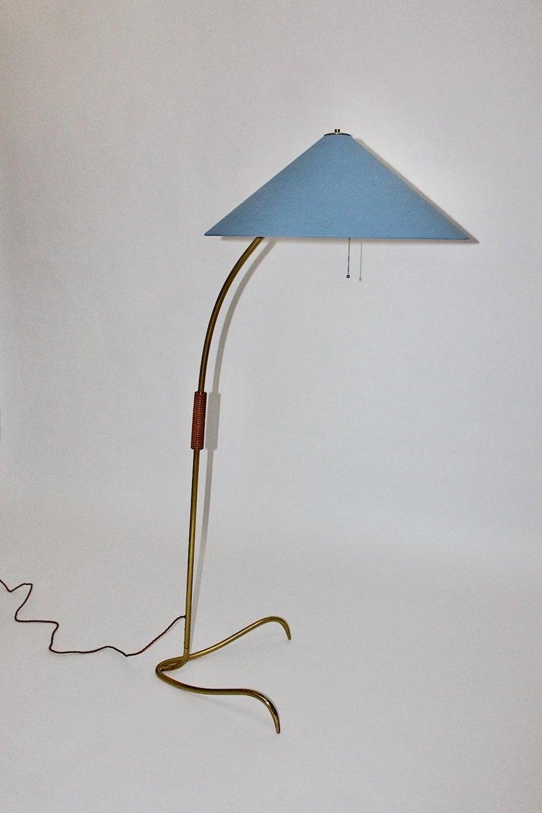 Rupert Nikoll Mid-Century Modern Vintage Brass Clawfoot Floor Lamp, 1950s Vienna In Good Condition For Sale In Vienna, AT