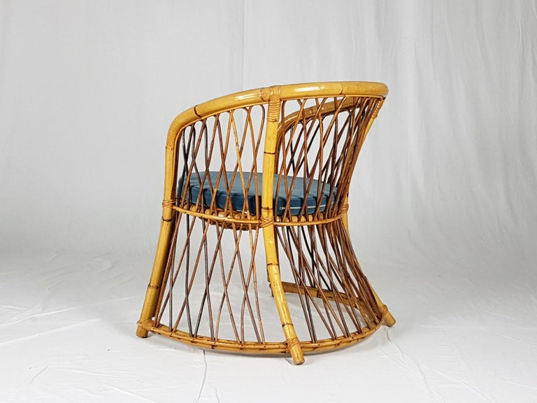 Rush, Rattan and Mid Blue Velvet, 1960s Armchair Attributed to Bonacina For Sale 4