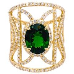 Russalite Diamond Ring, Cigar Band in Yellow Gold, 2.45 Ct Emerald 186 Diamonds
