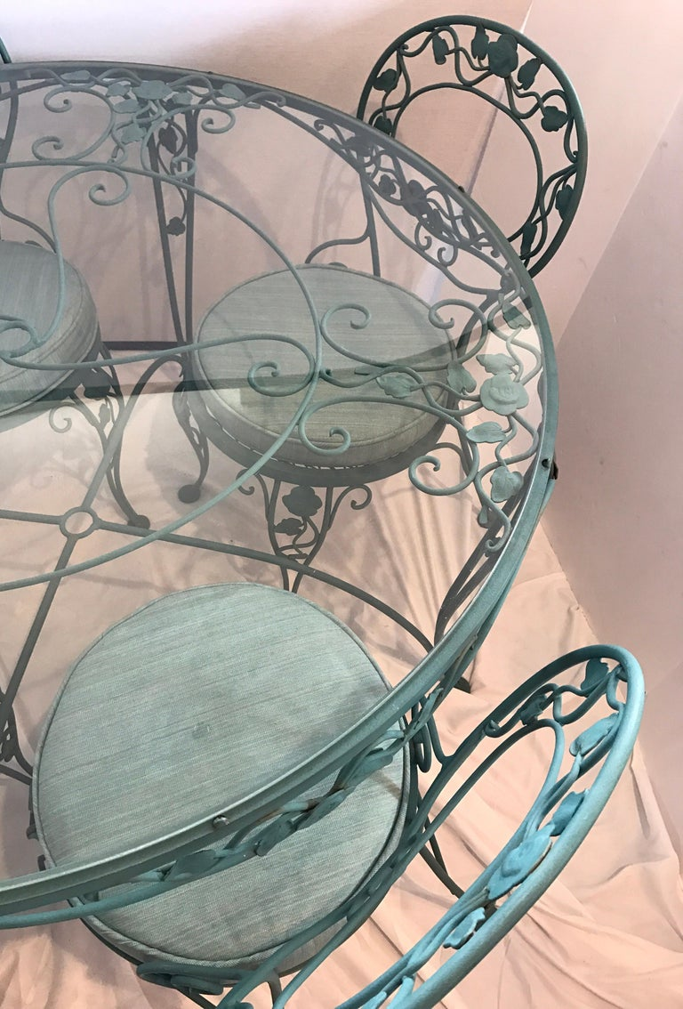 Mid-Century Modern Russell Woodard Green Iron Dining Table and Four Chairs For Sale