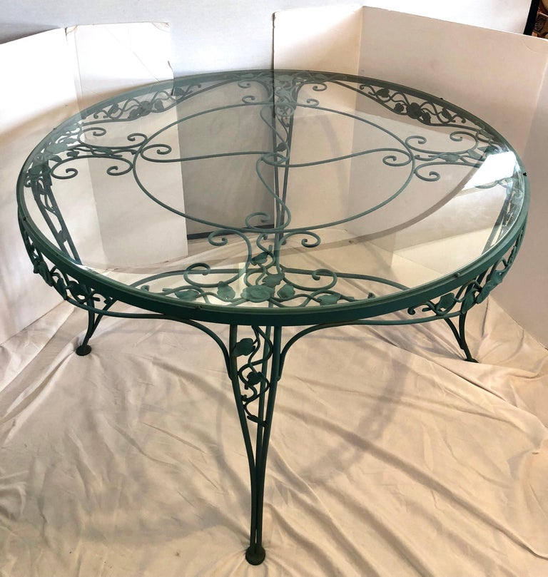 American Russell Woodard Green Iron Dining Table and Four Chairs For Sale