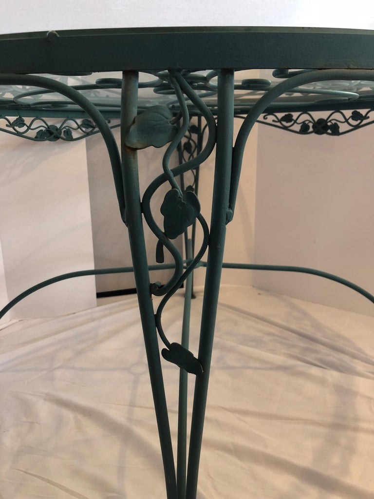 Russell Woodard Green Iron Dining Table and Four Chairs In Excellent Condition For Sale In West Hartford, CT
