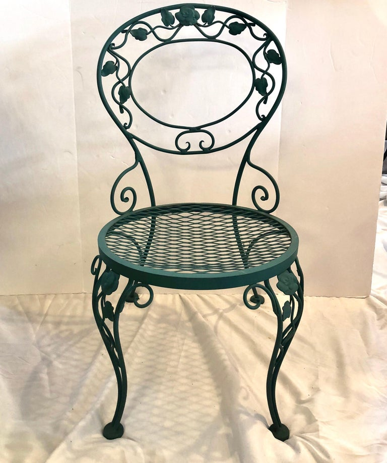 Wrought Iron Russell Woodard Green Iron Dining Table and Four Chairs For Sale
