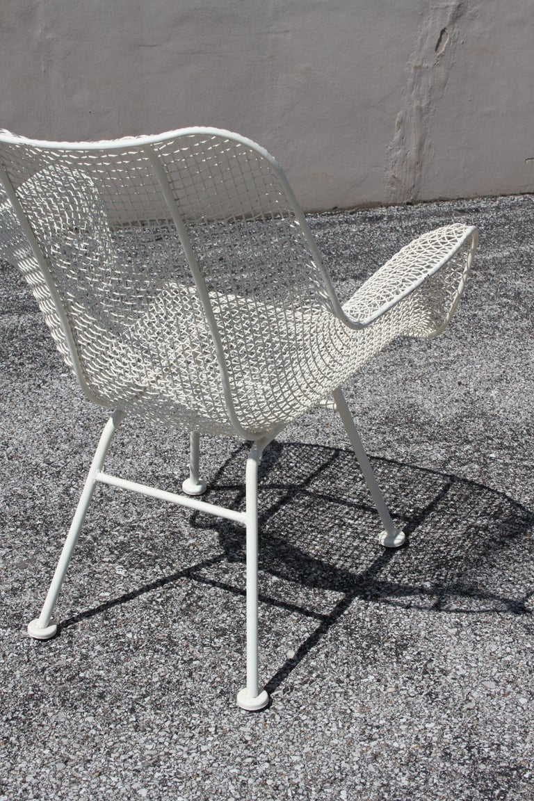 Russell Woodard Mid-Century Modern White Mesh Sculptura High Back Lounge Chair  For Sale 4