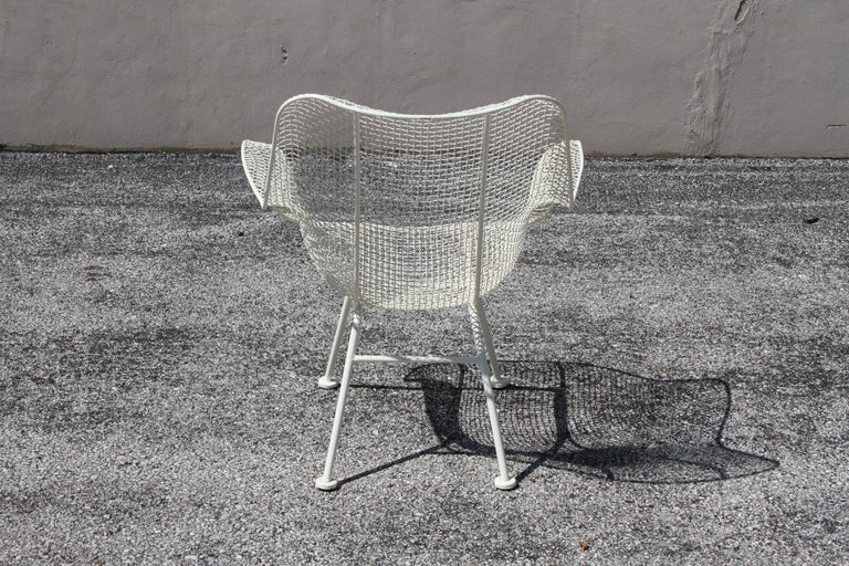 Russell Woodard Mid-Century Modern White Mesh Sculptura High Back Lounge Chair  For Sale 5